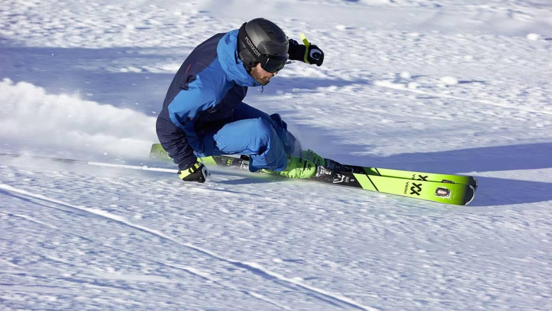 Testovanie lyží DPS a Völkl na večernom lyžovaní s inštruktorom