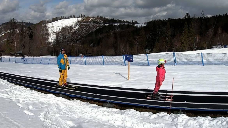 Rozhovor nielen o praktických radách pre rodičov začínajúcich malých lyžiarov.
